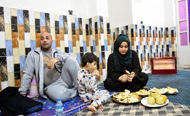 Alin perhe asuu vaatimattomassa asunnossa Bagdadissa. Välttämättömimmät huonekalut he saivat hankittua IOM:n avustuksen turvin.
