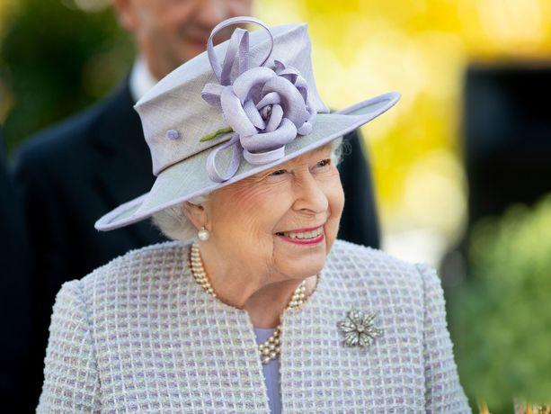 Kuningatar Elibet halusi sanoa ikonisen lauseen James Bondille Lontoon olympialaisia varten tehdyllä videolla.