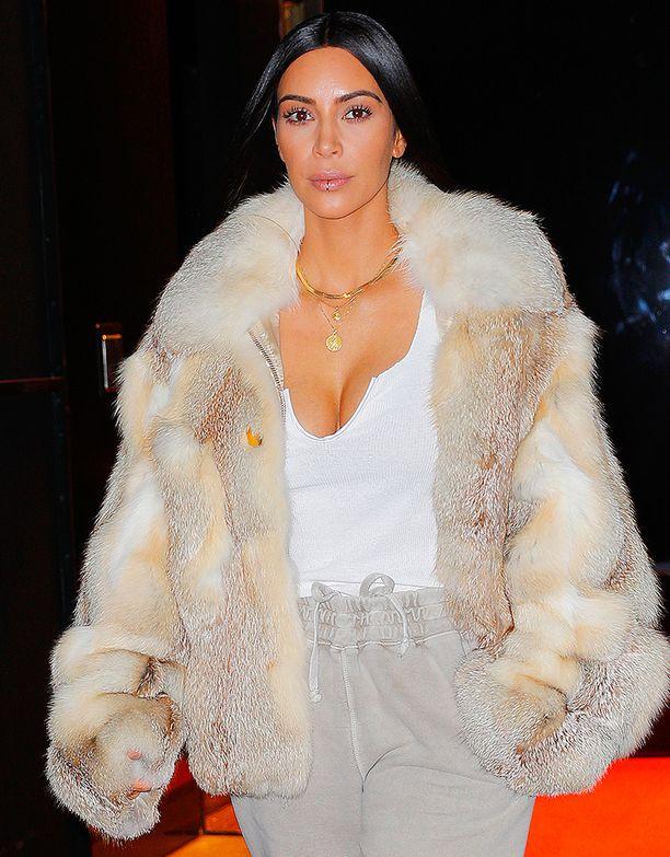 Kim Kardashian tuntuu vähät välittävän eläinten oikeuksista.