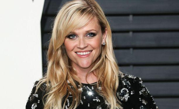 Reese Witherspoonin nuorekkuus kerää kehuja.