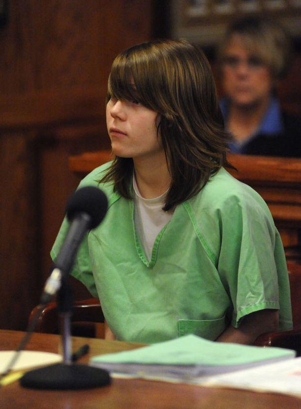 Alyssa Bustamante oikeudenkäynnissä 15-vuotiaana vuonna 2009.