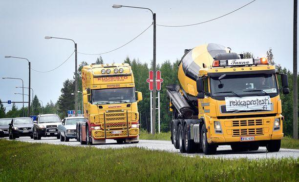 Kesäkuun alussa Porissa järjestettiin kesäkuun alussa rekkaprotesti.