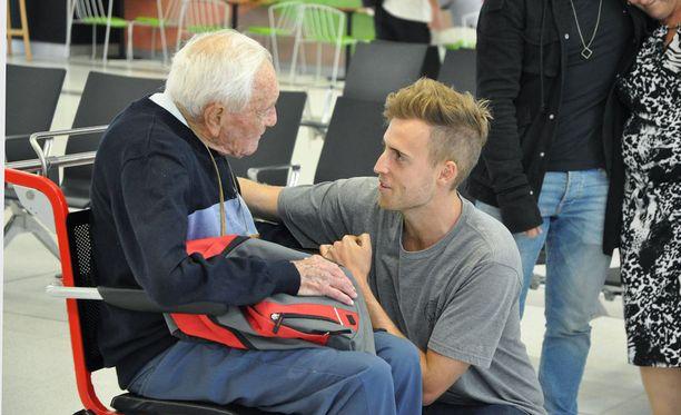 Viikko sitten David Goodall hyvästeli lapsenlapsensa Perthin lentokentällä Australiassa.
