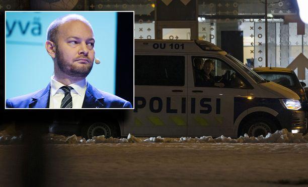 Sampo Terho vaatii hallitusta hätäkokoukseen Oulun tapahtumien vuoksi.