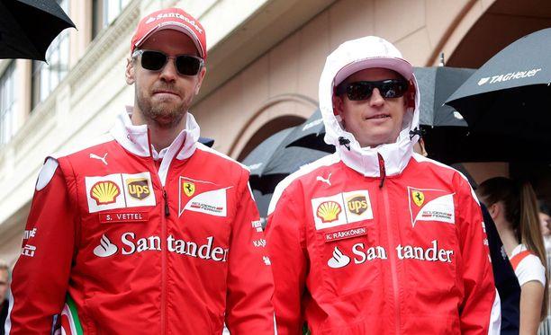 Sebastian Vettel ja Kimi Räikkönen käyvät tiukkaa taistoa tallin herruudesta.