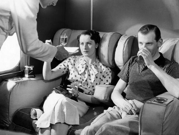 1930-luvulla koneissa sai nauttia tällaisesta tarjoilusta.
