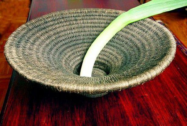 KUIN VEISTOS Gutu-kori (54 €, Zenzulu) on peräisin Zimbabwesta, ja se on valmistettu sisal-kuidusta.