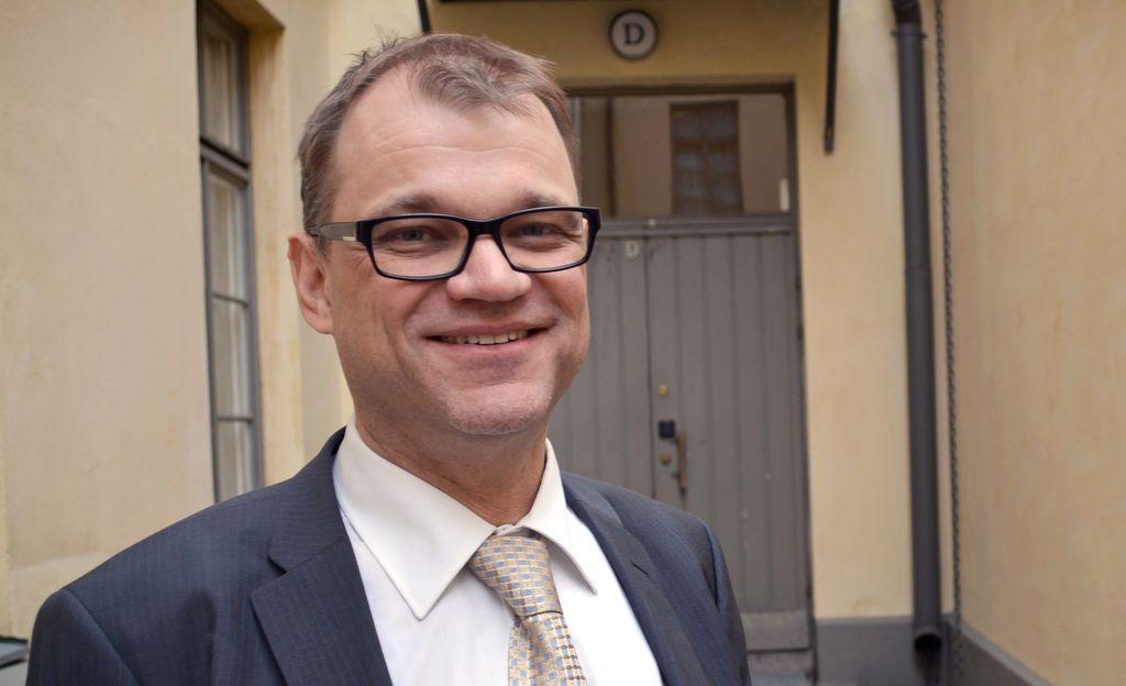 """STT: Sipilän mukaan valtioneuvosto maksaa Trumpin ja Putinin tapaamisen kustannukset - """"Halpaa Suomi-kuvan vientiä"""""""