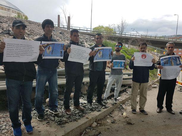 Iranilaiset korostavat, että Iranissa Abdolghaderia odottaa kuolemantuomio.
