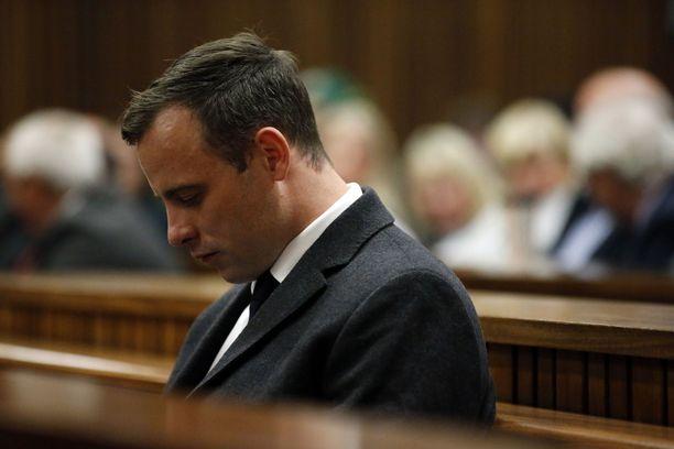 Oscar Pistorius istuu tällä hetkellä vankilassa.