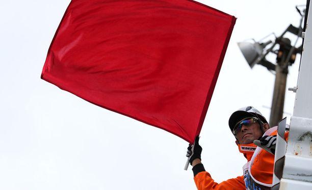 Carlos Sainzin ulosajo keskeytti Japanin GP:n ensimmäiset vapaat harjoitukset.