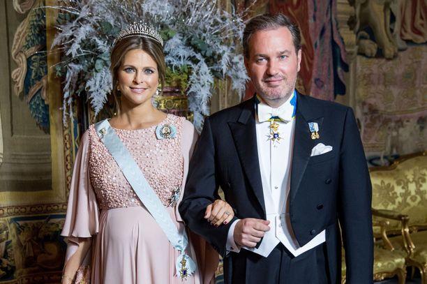 Vuonna 2017 Madeleine ja Chris osallistuivat yhdessä Nobel-hulinoihin.