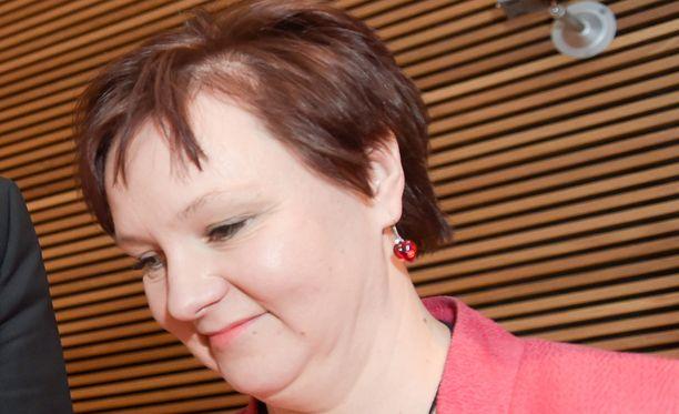 Maa- ja metsätalousvaliokunnan puheenjohtajan Anne Kalmarin mukaan Pohjanmaalla ollaan innoissaan mahdollisuudesta sallia hyönteisruuan pääsy elintarvikemarkkinoille.