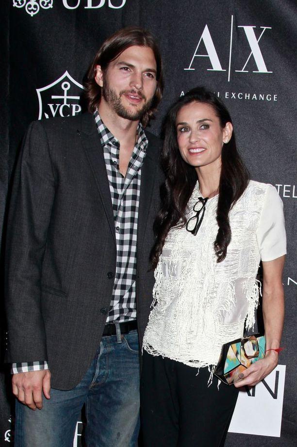 Demi Mooren ex-aviomies Ashton Kutcher oli Moorea yli 15 vuotta nuorempi.