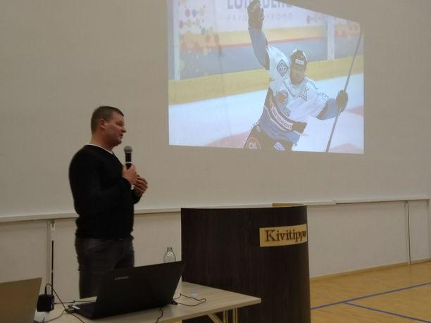 Marko Jantunen jakaa luentotilaisuuksissaan tietoa päihteistä ja omista kokemuksistaan. Luennon on tähän mennessä kuullut noin 65000 ihmistä. Tavoitteena on kohdata 100000 nuorta vuoteen 2020 mennessä.