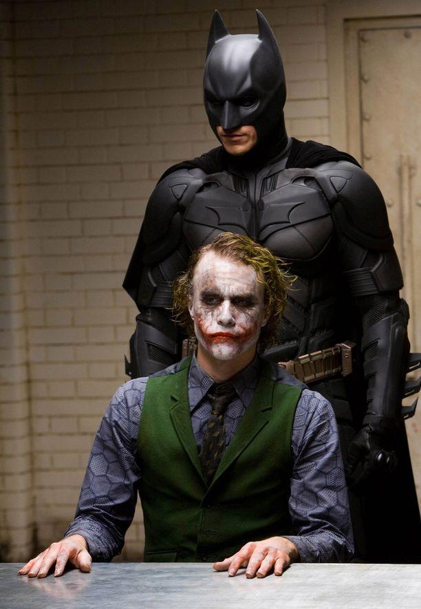 Heath Ledger sai sivuosa-Oscarin Yön ritari -elokuvan Jokerin roolistaan.