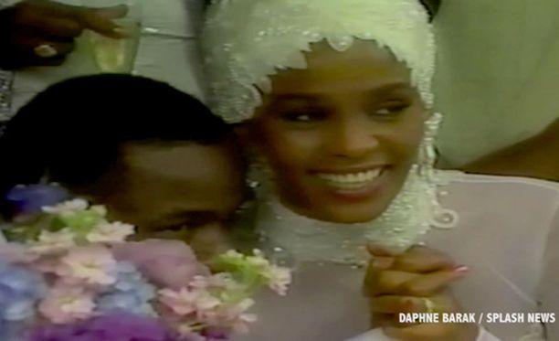 Whitney vihittiin vuonna 1992 Bobby Brownin kanssa.