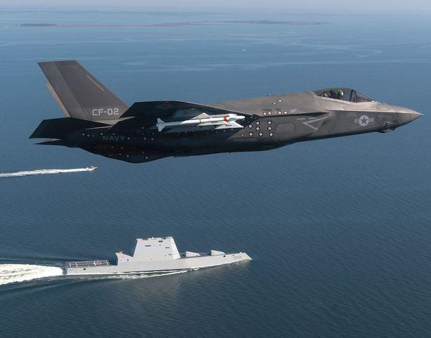 Yhdessä Britannian kanssa kehitetystä F-35 Lightning II -hävittäjästä on lähivuosina tulossa USA:n ilmavoimien ylpeys.