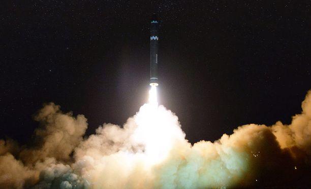 Pohjois-Korea laukaisi keskiviikkona toistaiseksi kehittyneimmän ballistisen ohjuksensa.