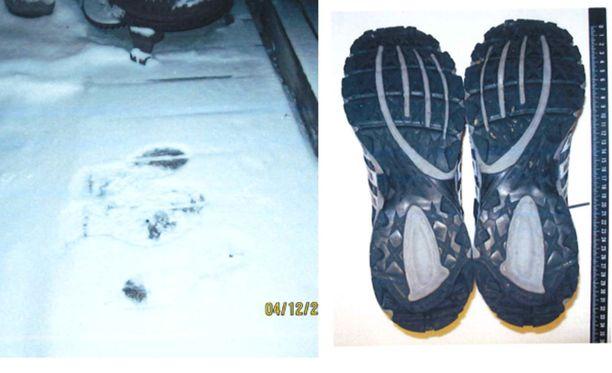 Jäljet lumihangessa täsmäsivät epäillyn kenkiin.