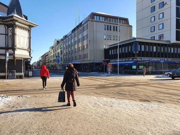 Kansainvälisten opiskelijoiden tartuntaketju ei pelkästään kuitenkaan selitä kokonaan Turun alueen heikentynyttä koronatilannetta.