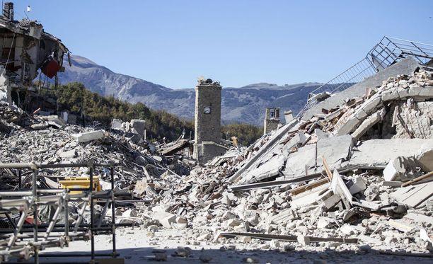 Amatricen historiallinen keskusta on täysin tuhoutunut viimeisten maanjäristysten seurauksena.