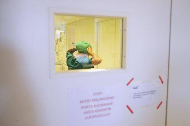 Koronavuosi on koetellut hoitohenkilökunnan jaksamista.
