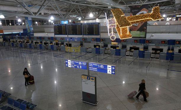 Ateenan Eleftherios Venizelosin lentoasema oli tyhjillään lakon vuoksi.