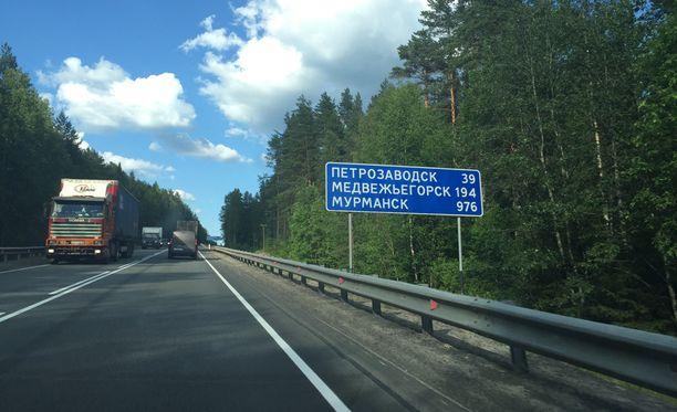 Humalassa autoillut suomalaismies yritti lahjoa liikennepoliisin Petroskoissa.