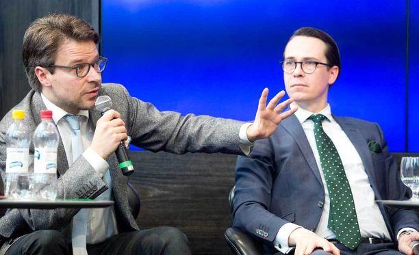 Vihreiden puheenjohtaja Ville Niinistö (vas.) ja RKP:n puheenjohtaja Carl Haglund.