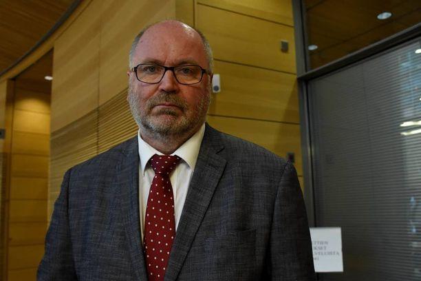 Tarkastusvaliokunnan puheenjohtajan Eero Heinäluoman mukaan veronkiertoon puuttumista on tärkeää tehostaa, mutta se ei saisi vaikeuttaa tavallisten kansalaisten arkea.