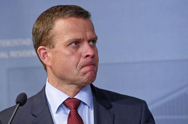 Valtiovarainministeri Petteri Orpon mukaan Suomen talouden nousu on väkevää. Selkeästä käänteestä huolimatta lisääntyneet verotulot käytetään Orpon mukaan velkaantumisen hillitsemiseen uusien menokohteiden sijasta.