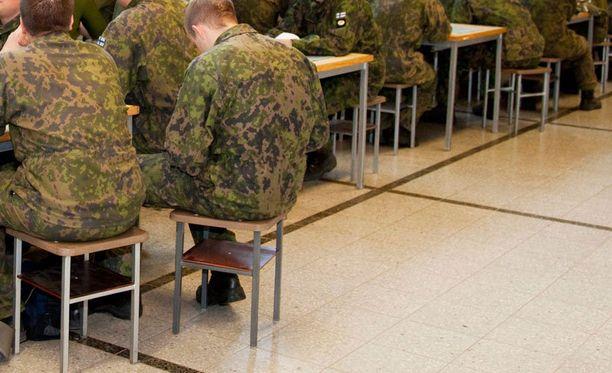 Aliupseerin oppitunnilla esittämät kommentit johtivat tutkintaan.