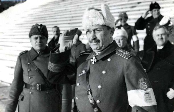 Mannerheim otti vastaan ohimarssin sisällissodan alkamisen muistopäivänä 28.1.1935. Valkoisen armeijan ylipäällikkönä toiminut Mannerheim tosin kutsui sotaa vapaussodaksi.
