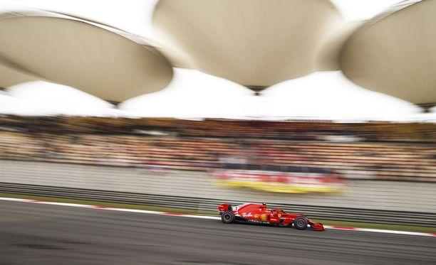 Kimi Räikkönen on saanut GP-viikonlopun mittaan kannustusta sadoilta kiinalaisfaneilta.