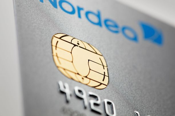 Kuvituskuva. Kauppakeskus Myyrmannin hissistä löytynyt kortti oli Nordea Mastercard. Kortin löytäjä yritti palauttaa kortin Nordean konttoriin siinä onnistumatta.