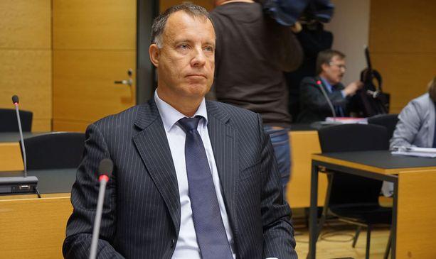 Kari Uoti toimii Esa Laihon oikeudenkäyntiavustajana.