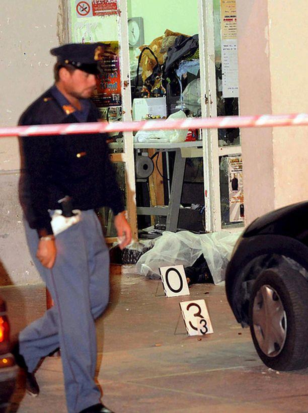 Ravintolassa sattuneessa välikohtauksessa ammuttiin arviolta sata laukausta.