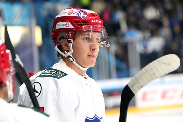 HIFK:n Anton Lundell on kesän aikana hankkinut lisää voimaa 185-senttiseen varteensa.