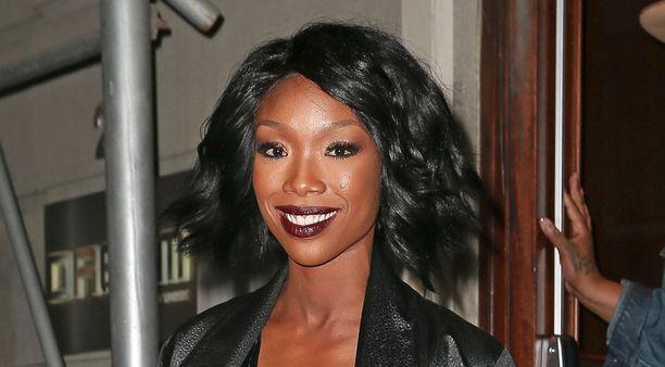 Laulaja Brandy joutui lennolta sairaalaan viime viikolla.