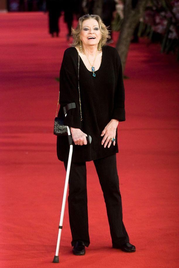 Anita Ekberg edusti neljä vuotta sitten elokuvafestivaaleilla Roomassa.