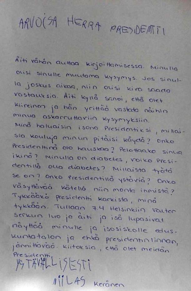 Niilas Keräsen äiti Ulpu Keränen ei osannut vastata poikansa kysymyksiin, joten he päättivät kirjoittaa presidentille kirjeen.
