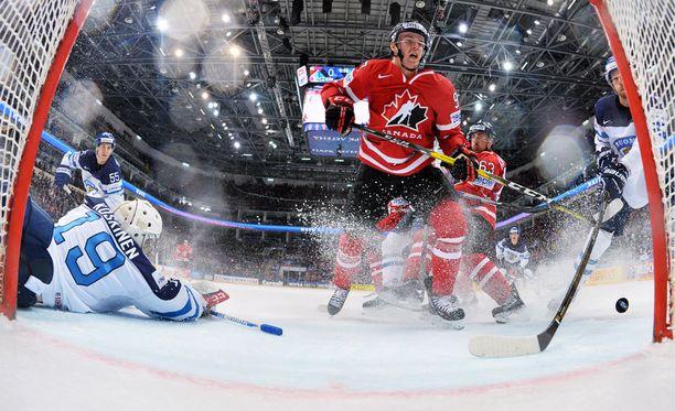 Connor McDavid teki 2016 MM-finaalin voittomaalin Suomea vastaan. Nyt NHL:n pistepörssin kaksinkertainen voittaja kipparoi Kanadaa Tanskan kisoissa.