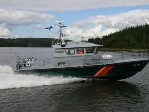 Suomenlahden merivartiosto sai hälytyksen luodolle ajaneesta veneestä myöhään torstaina. Kuvituskuva merivartioston partioveneestä.