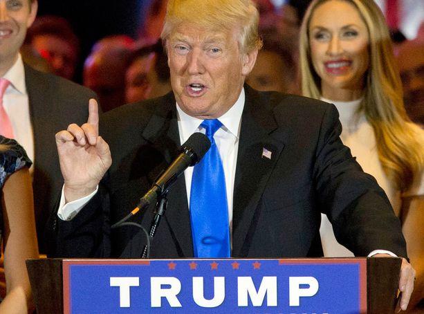 Trump kerää kannattajia.