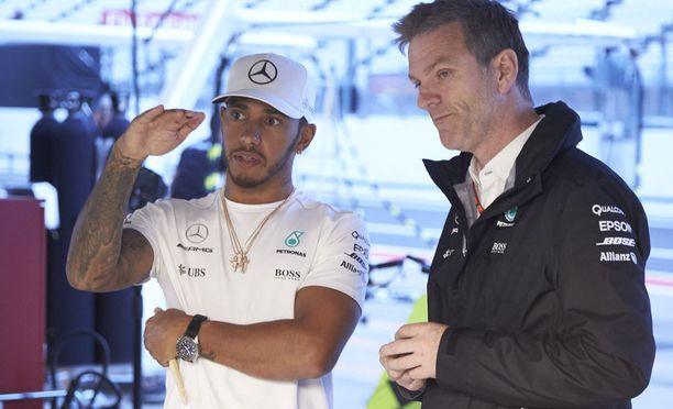 Lewis Hamilton on osoittautunut miellyttäväksi työtoveriksi, kertoo Mercedeksen tekninen johtaja James Allison.