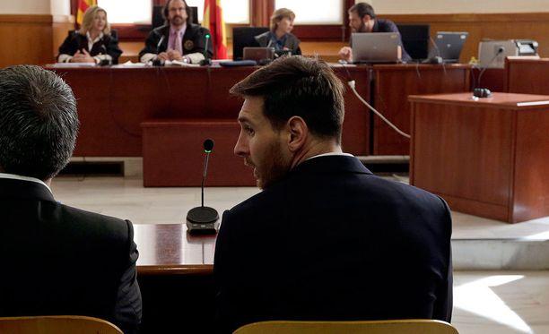 Lionel Messi uhkaa veropetosoikeudenkäynnissä kahden vuoden vankeustuomio, joka määrättäisiin todennäköisesti ehdollisena.
