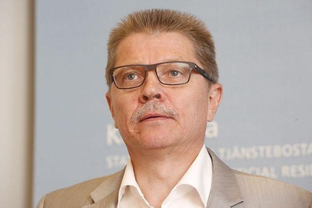 Kuntatyönantajien työmarkkinajohtaja Markku Jalonen katsoo, että kustannustenhallintakysymykset korostuvat, kun yhteistä Suomen mallia ei ole näköpiirissä. Kunta-alan neuvotteluja käydään syksyllä.