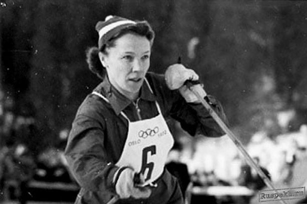 Lydia Wideman hiihti ylivoimaiseen voittoon Oslon olympialaisten 10 kilometrin kisassa.
