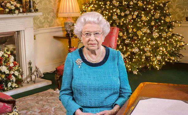 Kuningatar Elisabetilla, 90, on ollut jälleen työntäyteinen vuosi.